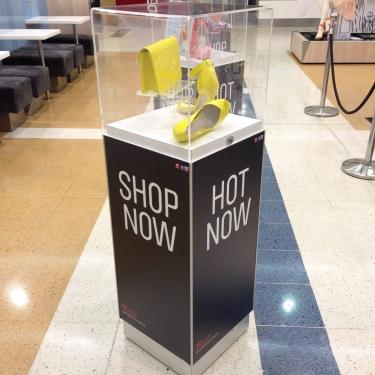 Glass-Shop-Display