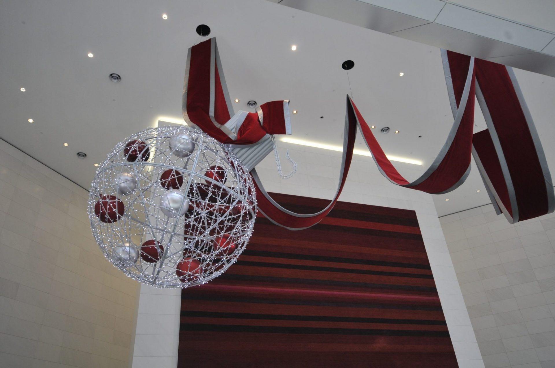 christmas-shopping-display